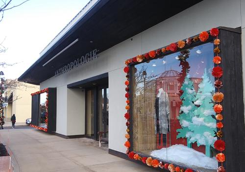 Promenade Shops at Evergreen Walk