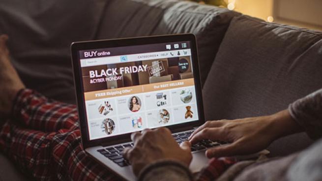 Black Friday online shopper