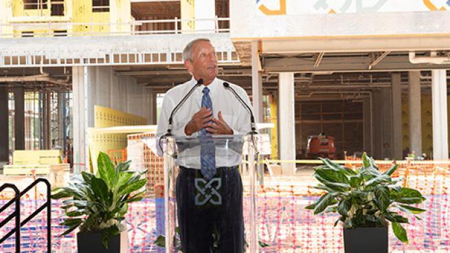 Mayor Harold Weinbrecht