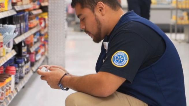 Walmart gives incentive to employees who use their own cell phones for work