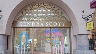 Kendra Scott storefront