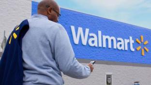 Walmart emplyee