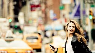 Woman with shopping bag in New york City